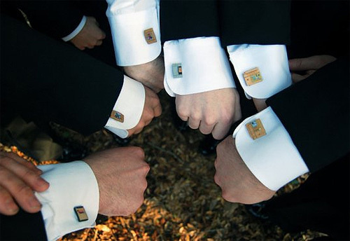 500x zelda cufflinks This is how you do a Zelda Themed Wedding Right!